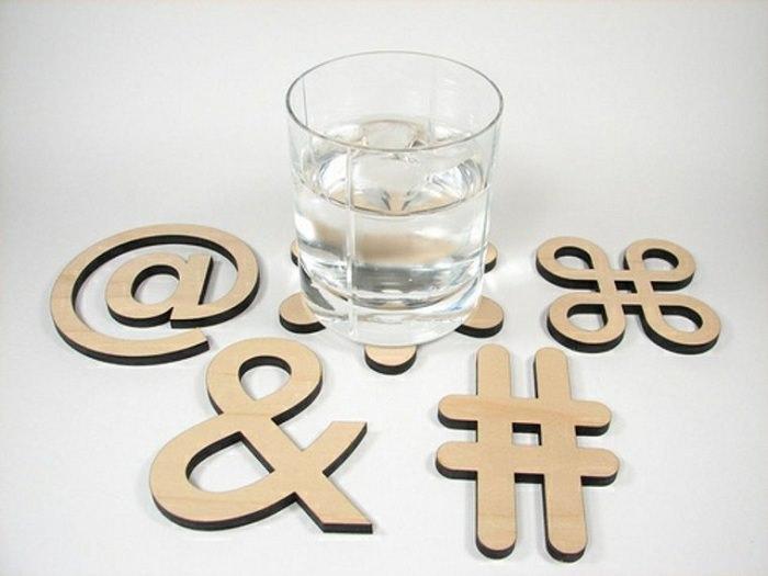 Подставки под горячую посуду в форме типографических символов