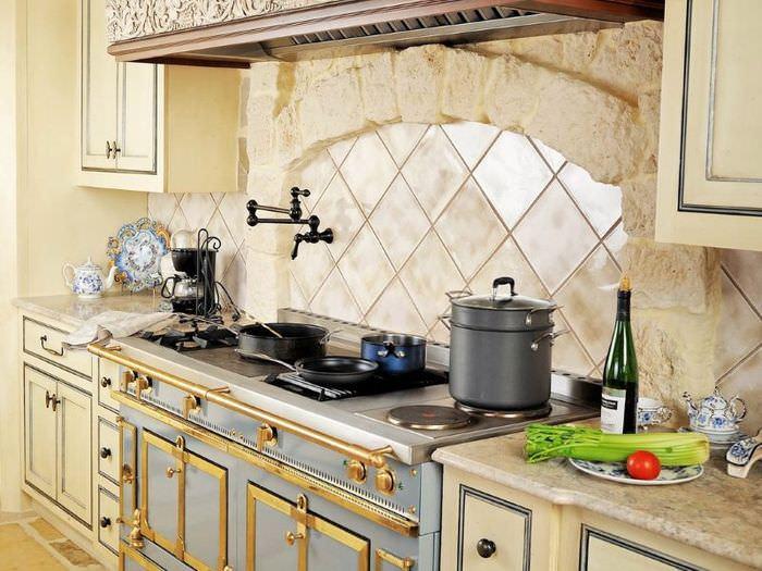 Красивое оформление зоны для готовки на современной кухне