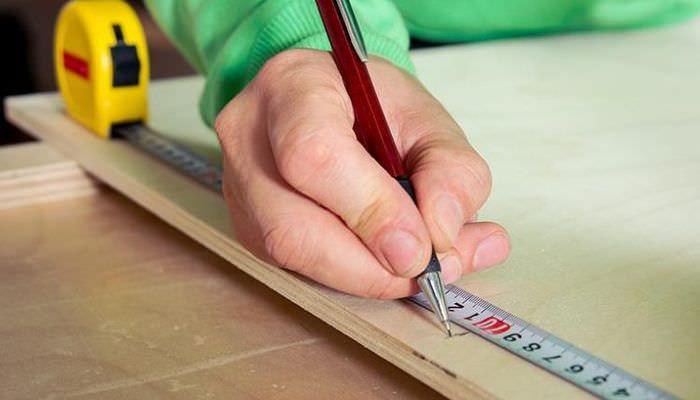 Разметка фанеры для изготовления декоративных кирпичиков