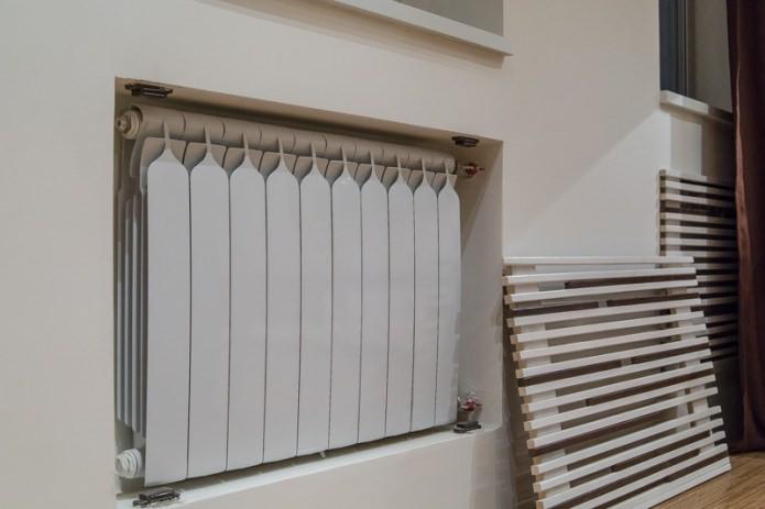Декорирование радиатора отопления с помощью съемного экрана