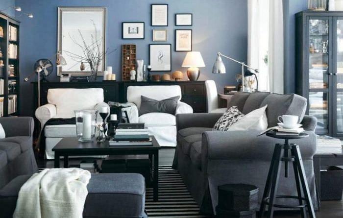 Интерьер гостиной в серых и синих оттенках