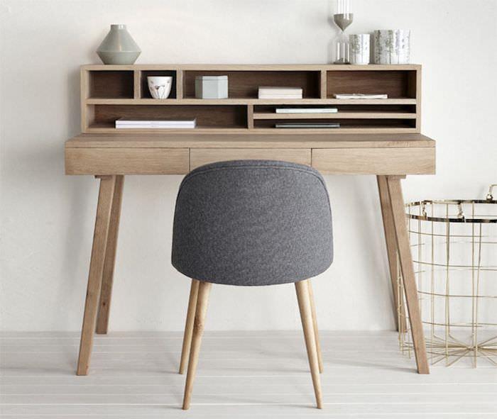 Письменный стол в стиле минимализма
