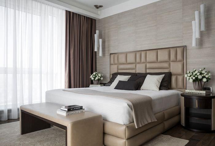 Коричневые шторы цвета какао в интерьер спальни
