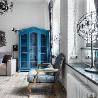 Синий шкаф сл стеклянными дверцами