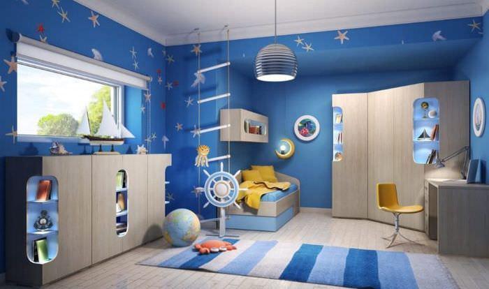 Дизайн детской комнаты с синими стенами
