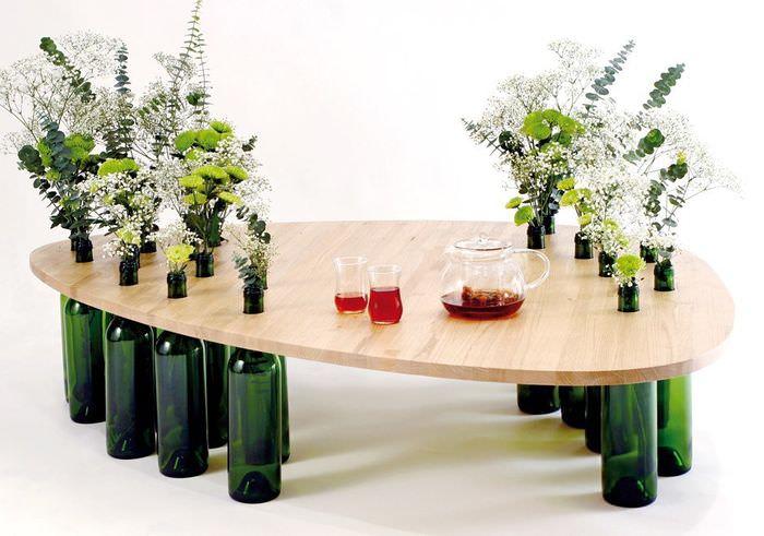 Журнальный столик из МДФ и винных бутылок