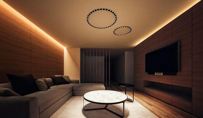 Светодиодная подсветка потолка в темной комнате