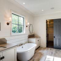 Просторная ванная в стиле прованс