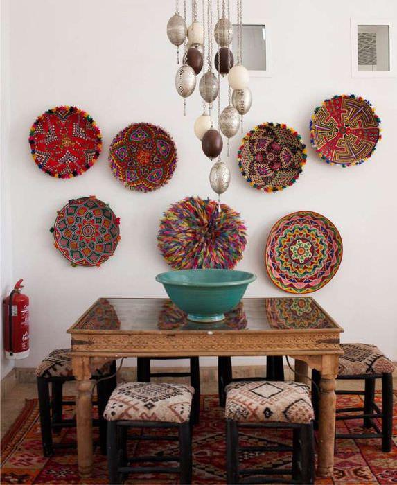 Декоративные тарелки на кузне в восточном стиле