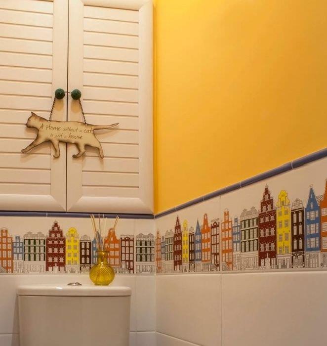 Желтая стена в интерьере совмещенного санузла