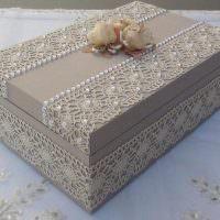 Декор коробки бисером и кружевом