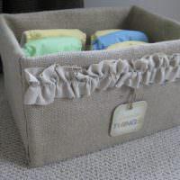 Хранение детских вещей в удобной коробке