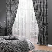 Серый текстиль в дизайне спальни