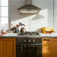 Деревянные дверцы кухонного гарнитура