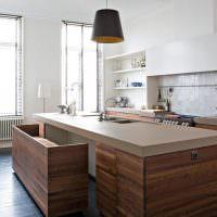 Кухонный остров из натурального дерева