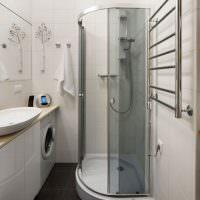 Угловая душевая кабинка вместо ванной
