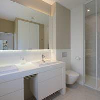 Дизайн ванной с двумя раковинами