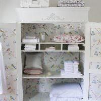 Обновленный шкафчик в комнате юной модницы