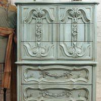 Стильный шкаф в ретро стиле