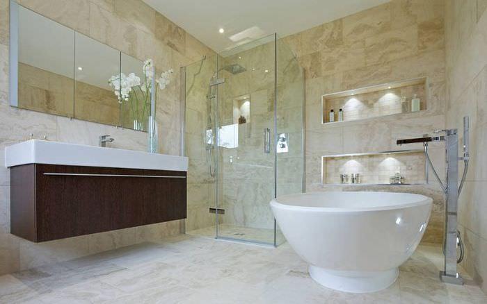 Отдельно стоящая ванна круглой формы