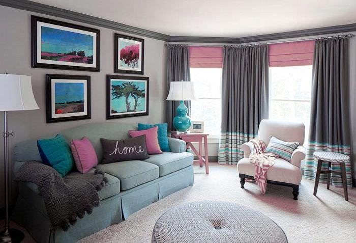 Дизайн комнаты с занавесками серого и розового цветов