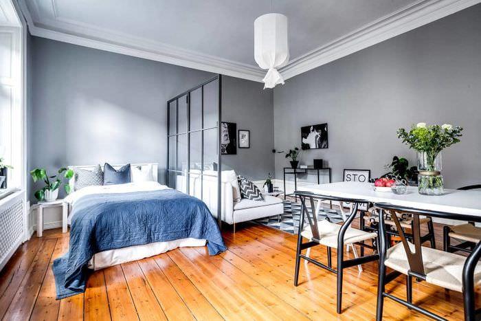 Интерьер спальни загородного дома в скандинавском стиле