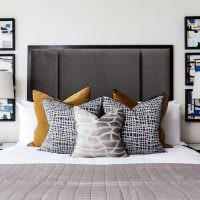 Декоративные подушки в оформлении спальни