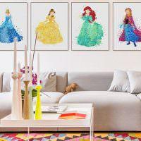 Картины с феями на стене детской комнаты
