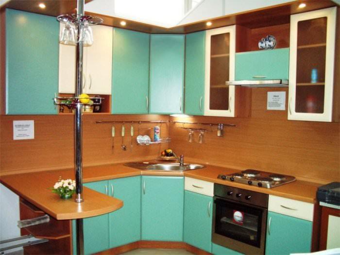Зеленый кухонных гарнитур.