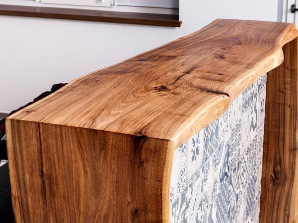 барная стойка из натурального дерева