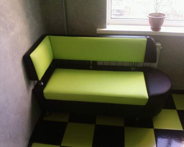 угловой диван для маленькой кухни
