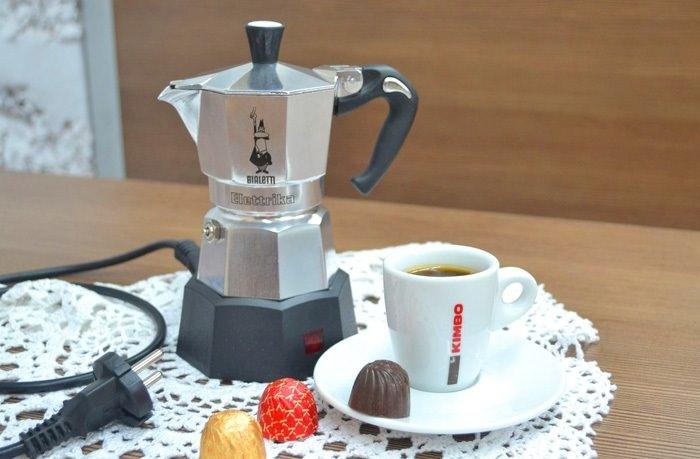 Кофемашина или турка.