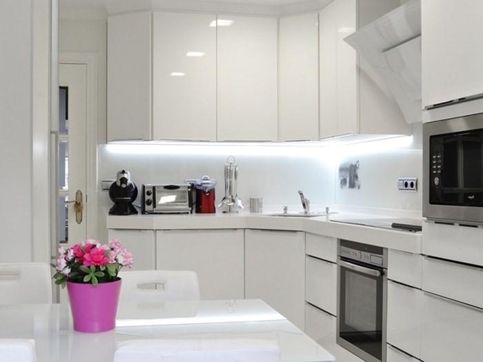 Шкафы для хай-тек кухни.