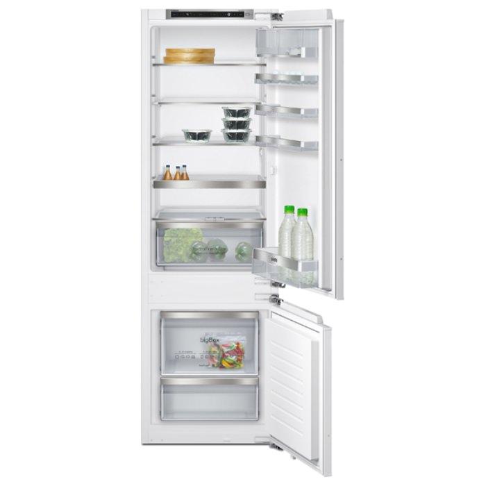 Холодильник SIEMENS.
