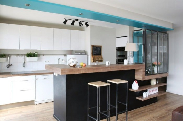 Кухня с полуостровом.
