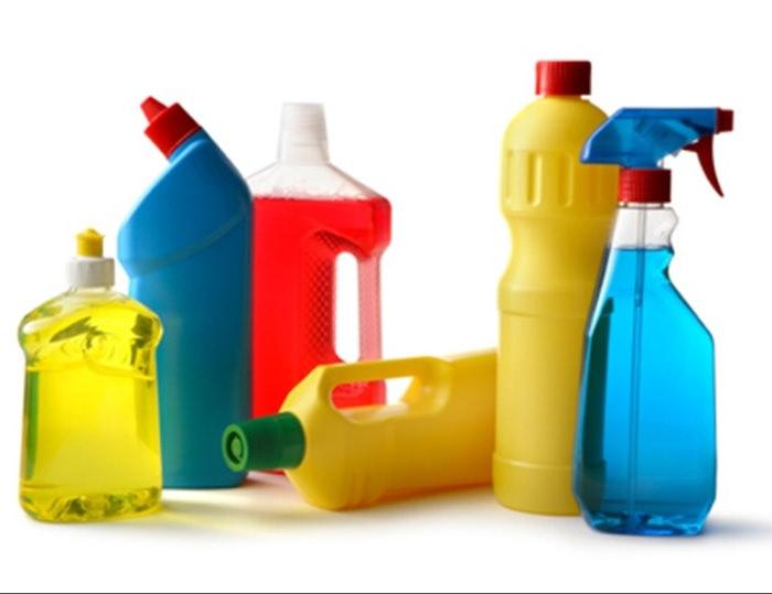 Бытовая химия для чистки холодильника.