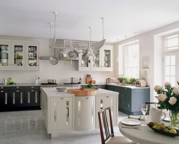 Столешница постформинг будет отлично смотреться на любой кухне