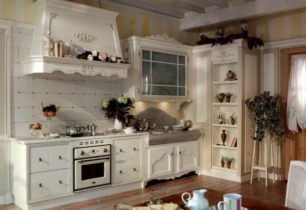 Кухня с мраморной столешницей постформинг