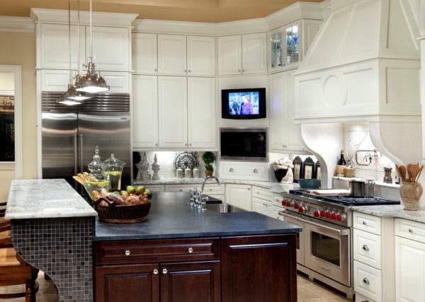 Телевизор на кухне как элемент интерьера