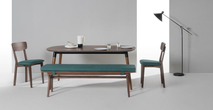 Дизайнерские кресла на кухне.