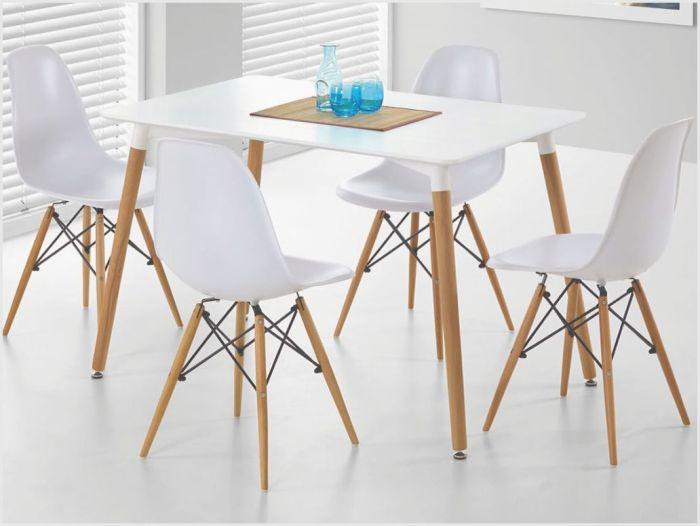 Дизайнерские стулья со столом.