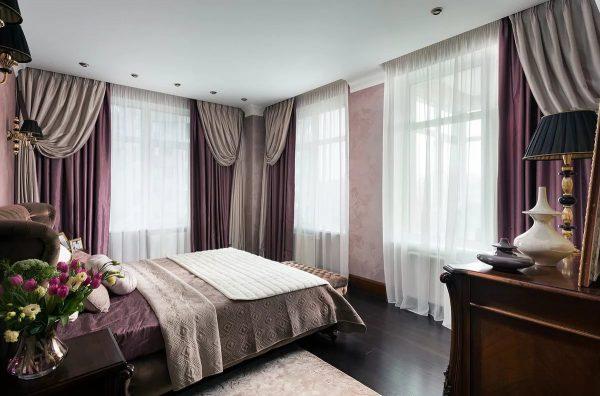 Благодаря правильно подобранным занавескам спальня может стать не только удобной для сна и отдыха, но еще и стильной.