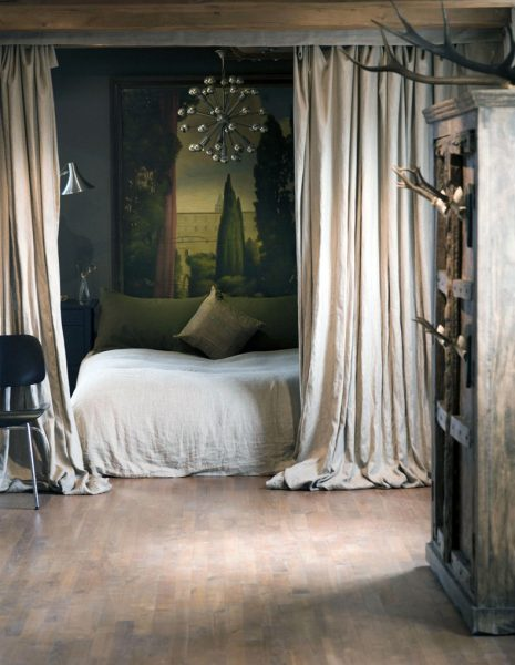 Мебель подбирается из наиболее смелых вариантов, грубые стены, наличие элементов потертости. Возможно наличие арт-элементов.