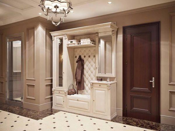 Если позволяют параметры помещения: высокие потолки, простор, можно придать комнате элегантности с помощью люстры, массивной мебели, оригинальных накладок и карнизов.