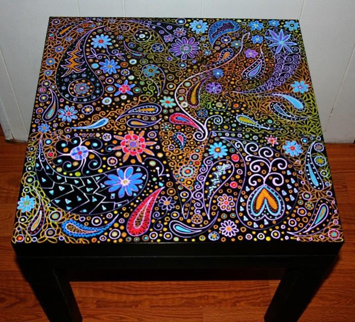 Декор поверхности стола.