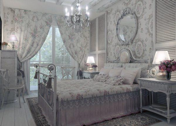 Основная задача шторы – подчеркнуть аристократичность и респектабельность интерьера. Используются дорогостоящие ткани и аксессуары, драпировки и объемные фалды.