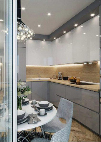 Позаботьтесь о хорошем освещении. Так маленькая кухня будет казаться больше