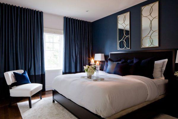 Для спальни лучше выбирать темные плотные шторы, которые помогут защитить чуткий сон от солнечных лучей.