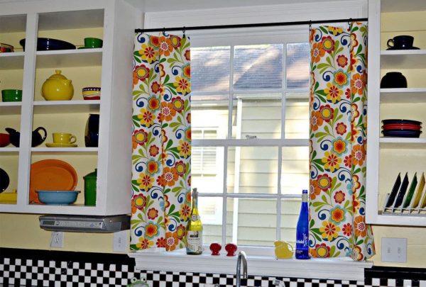 Занавески на кухню можно пошить самостоятельно