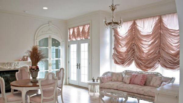 Прекрасный вариант для любителей многослойности и роскошного дизайна.